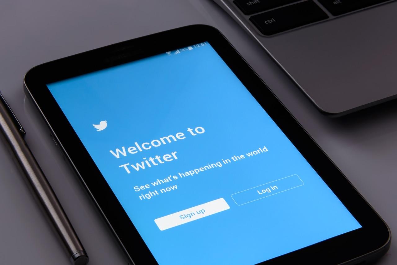 Responsible Tweeting
